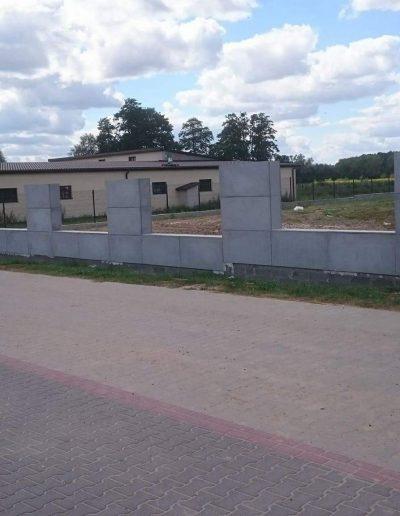 ogrodzenie z nowoczesnego betonu architektonicznego