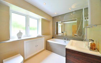 Parametry materiałów, na które trzeba zwrócić uwagę podczas wyboru posadzki do łazienki