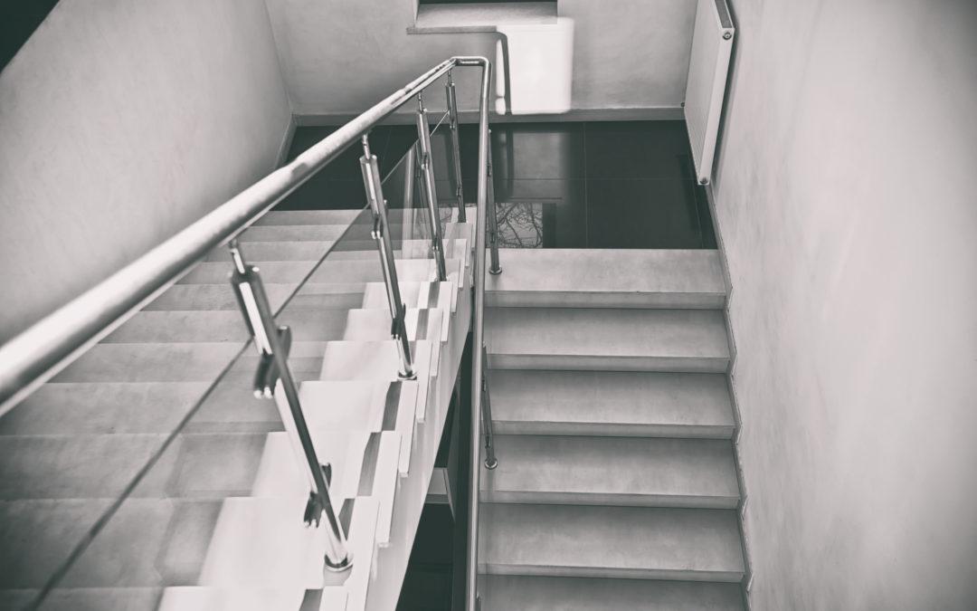 Schody w domu – jak je wykończyć i jak zaaranżować?