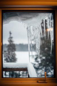 okno śnieg zima
