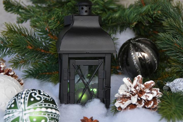 Świąteczne dekoracje. Jak przystroić mieszkanie na Boże Narodzenie?