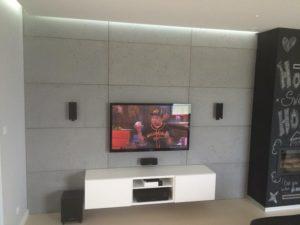 kino domowe w salonie telewizor