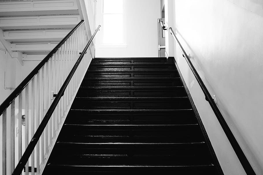 Co na schody? Czym wykończyć stopnie?