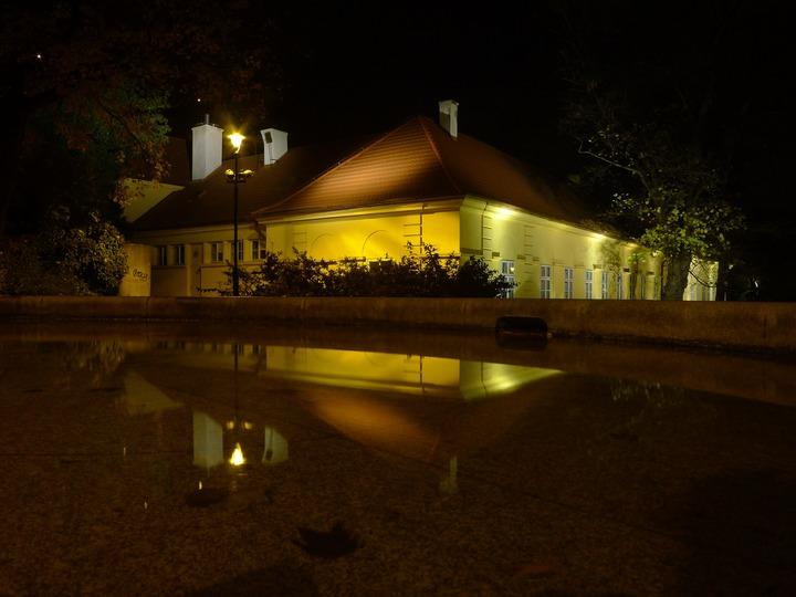 nocne oświetlenie domu